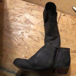 Minnetonka booties! Size 10. Gently used